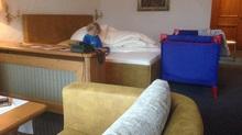 Appartement mit Kinderbett